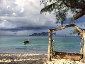 6 популярных у туристов стран, которые опасно посещать летом