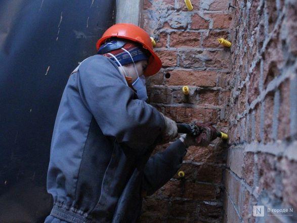 Инъекция для стен: как идет реставрация фасада нижегородской фабрики «Маяк» - фото 54