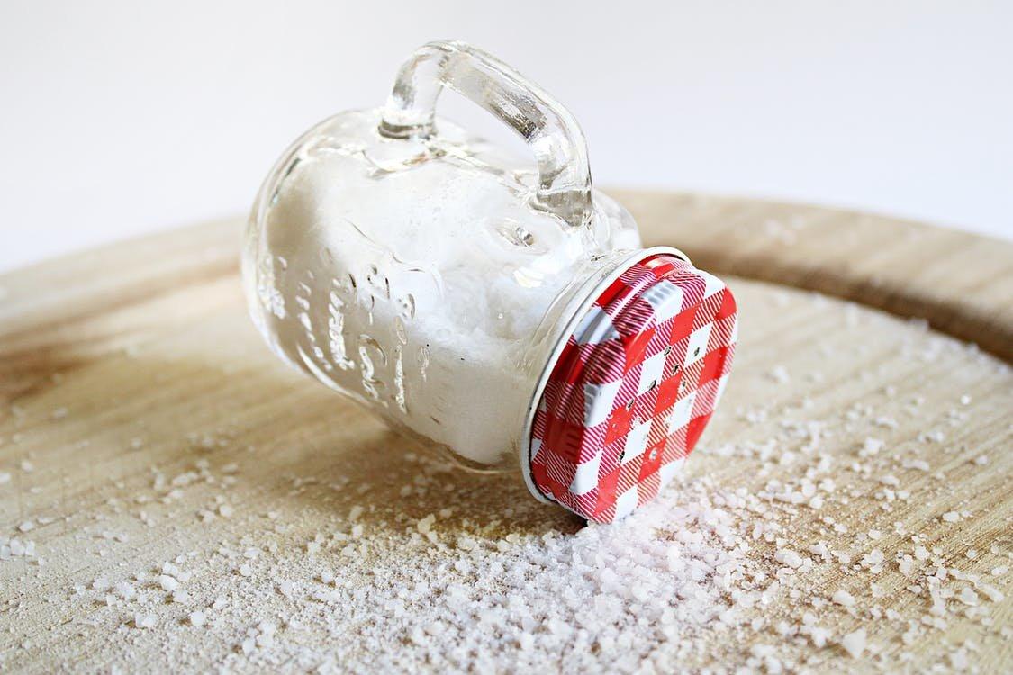 Много соли, крахмала и консервантов: две марки томатной пасты провалили тест Росконтроля - фото 4