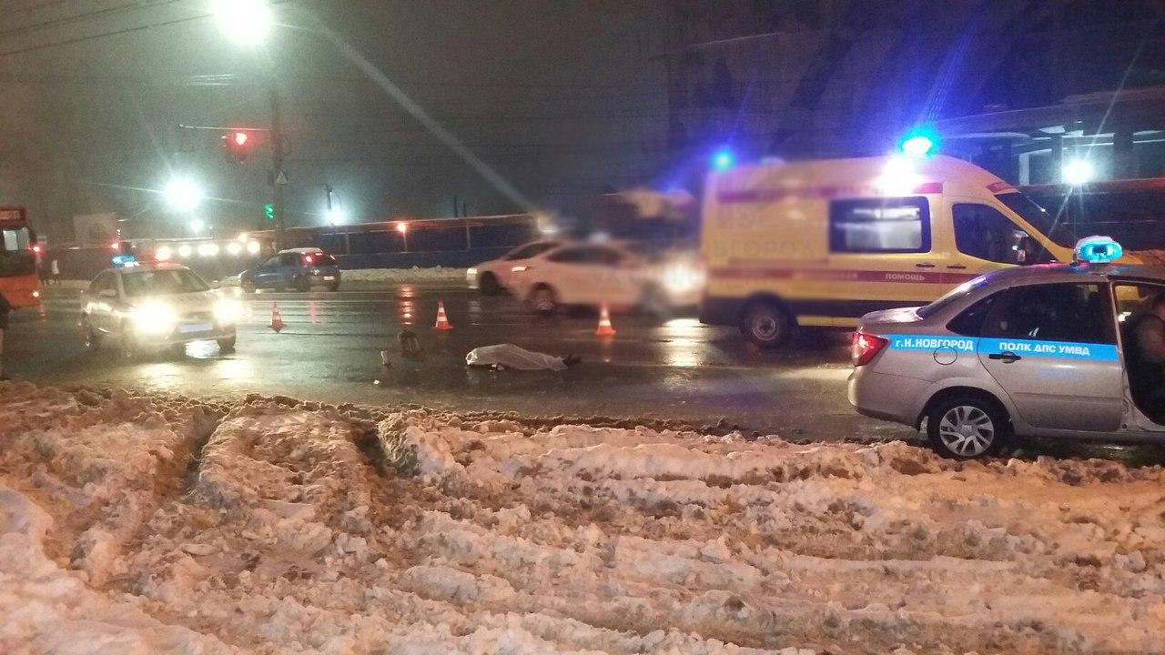 Нетрезвый шофёр влетел втолпу людей вНижнем Новгороде— погибла девушка