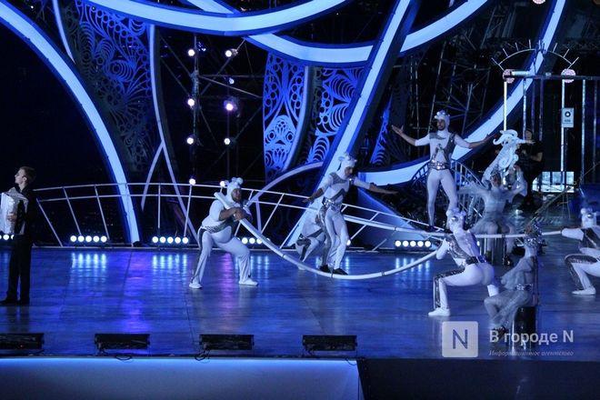 Огонь, вода и звезды эстрады: Как прошло гала-шоу 800-летия Нижнего Новгорода - фото 21