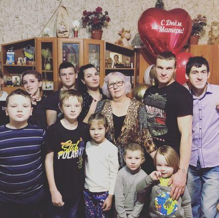 Многодетная семья погорельцев из Краснобаковского района получила новое жилье - фото 2