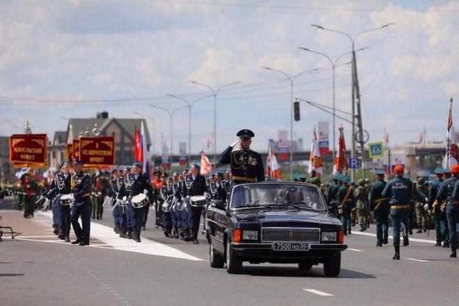 Военная техника проехала по Нижне-Волжской набережной в память о подвиге предков - фото 8