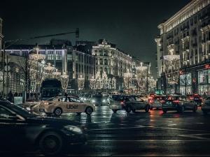 Пять миллионов рублей взыскали с нижегородской компании за лихую езду на иномарках по Москве