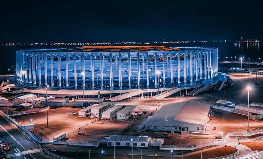 Медведев выделил миллиарды на достройку стадиона на Стрелке - фото 1