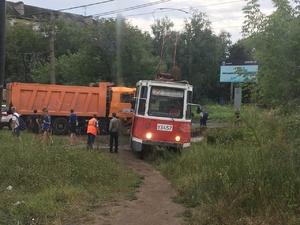 Кондуктор столкнувшегося с грузовиком трамвая скончалась в Нижнем Новгороде