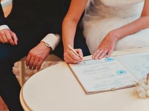 Россиян хотят обязать подписывать брачный договор перед походом в ЗАГС