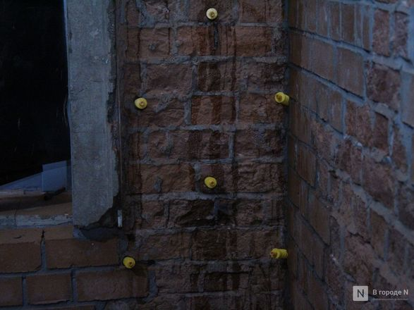 Инъекция для стен: как идет реставрация фасада нижегородской фабрики «Маяк» - фото 19