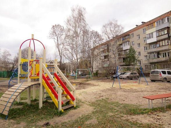 Детскую площадку поставили на улице Лескова по просьбам жителей - фото 2